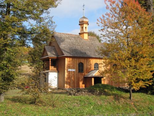 Złota jesień i nasz Kościółek