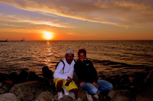 Pozdrawiam serdecznie Fotosikowców - foto z wakacji w Jarosławcu z Mą żonką Kasią :)